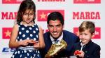 Luis Suárez obtuvo la Bota de Oro: las felicitaciones de sus compañeros - Noticias de fotos champions 2014-15