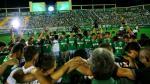 Conmovedor homenaje a Chapecoense de aficionados y jugadores en Chapecó - Noticias de atanasio girardot