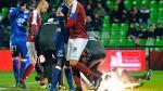 Violencia en Ligue 1: petardo contra portero de Lyon obligó a suspender partido - Noticias de consecuencia