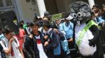 Negro y Blanco: Alan y Coki llevaron diversión y regalos al Colegio Guadalupe [FOTOS] - Noticias de coki gonzales